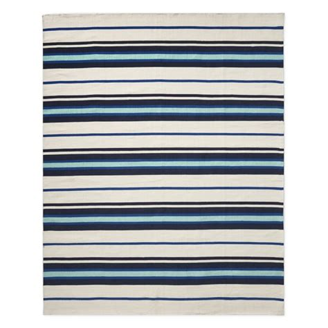 Navy Stripe Outdoor Rug Strata Stripe Indoor Outdoor Rug Navy Williams Sonoma