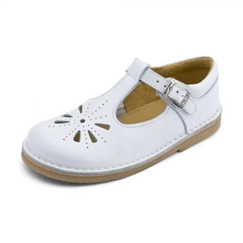 kids shoes fitted childrens footwear by start rite tea party girl s white patent sandal