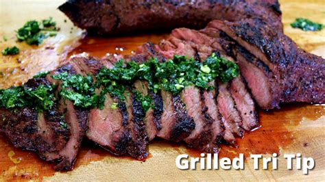 monchoso com grilled tri tip on big green egg grilling