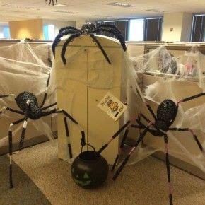halloween themes at work scary halloween spiders at office from getitcut com 20