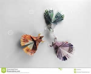 geldscheine falten le billets de banque d origami d oiseaux photo stock image