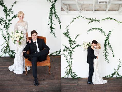diy vine wall wedding ideas calie rose