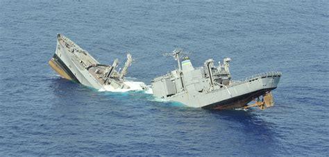 A Sinking Boat boat sinking www imgkid the image kid has it