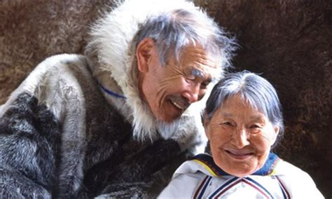 i am inuit portraits of places and of the arctic books by northwest canada s elizabeth islands