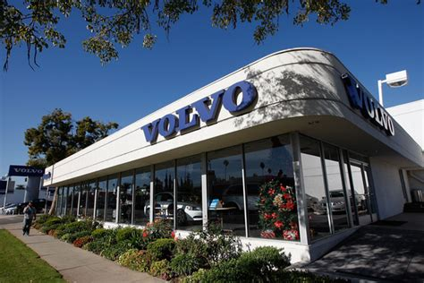 volvo company ford will sell volvo unit to china s geely by june zimbio