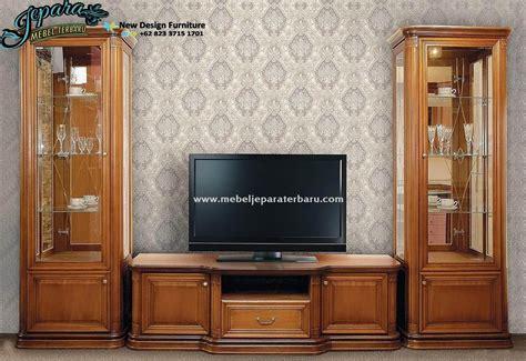 Lemari Hias Untuk Tv lemari hias klasik jati murah mewah bt 052 bufet tv klasik mewah ukiran jepara modern rak tv