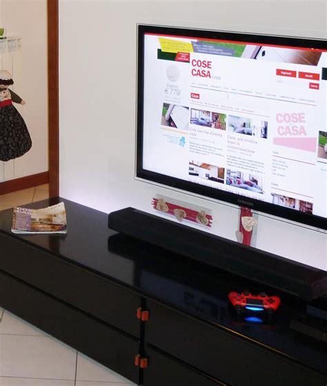 Tv Appesa Al Muro Come Nascondere I Fili by Come Nascondere Sulla Parete I Fili Della Tv Cose Di Casa