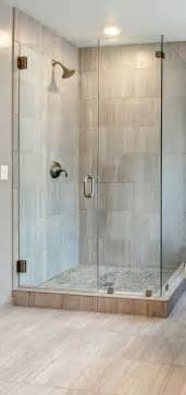Shower Stall Ideas For A Small Bathroom by 25 Best Ideas About Corner Showers On Pinterest Small