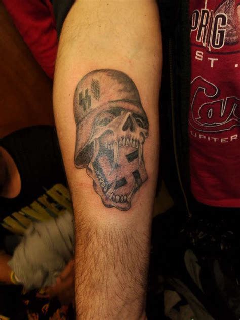 german skull tat tattoo