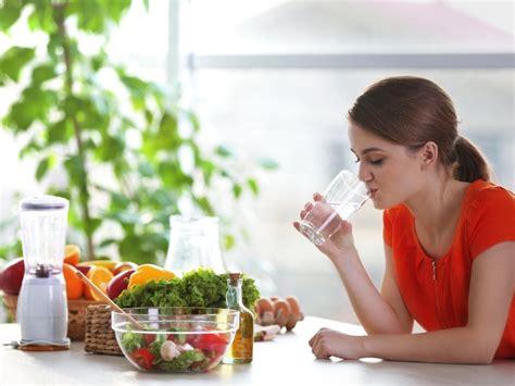 acqua e alimentazione acqua e alimentazione importanza e funzioni bere acqua