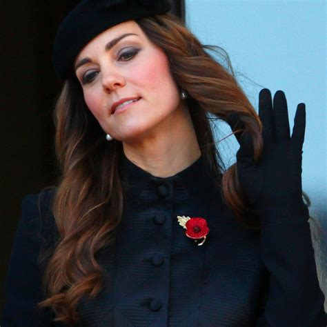 kate middleton looks gorgeous with new hairstyle rides kate middleton s bad hair moments popsugar beauty
