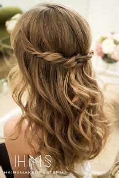 Hochzeitsfrisuren Offene Haare by Frisuren Braut Offen Auf Hochzeit Dirndl Und Pelz