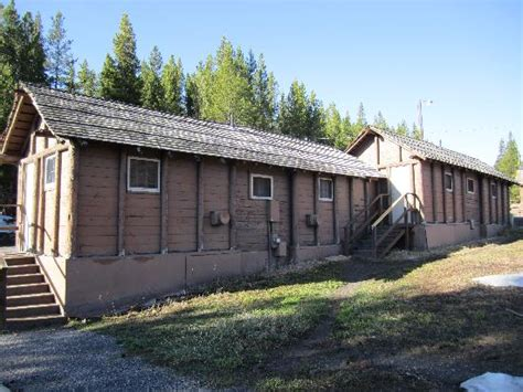 Lake Lodge Cabins Yellowstone Reviews by Not A Pleasant Stay Wouldn T Do It Again Lake Lodge
