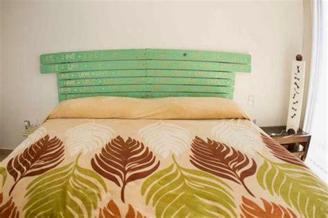 Normal  Ideas Con Palets #5: Cabecero-listones-madera-verde.jpg