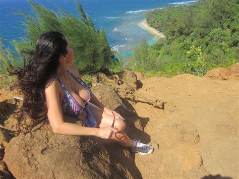 most dangerous 24 spine tingling pictures from hawaii s most dangerous hiking trail