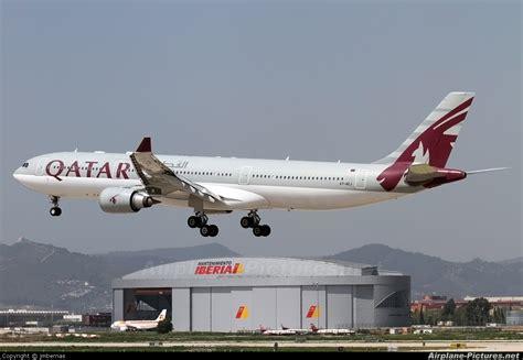 barcelona qatar airways a7 aej qatar airways airbus a330 300 at barcelona el
