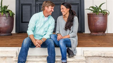 chip and joanna gaines net worth how much money does fixer upper chip gaines net worth 2017 joanna gaines biography chip