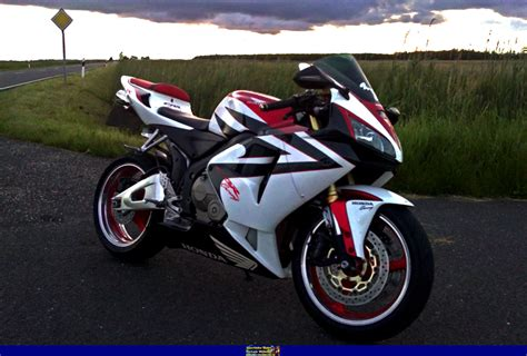 honda 600rr 2006 sportbike rider picture website