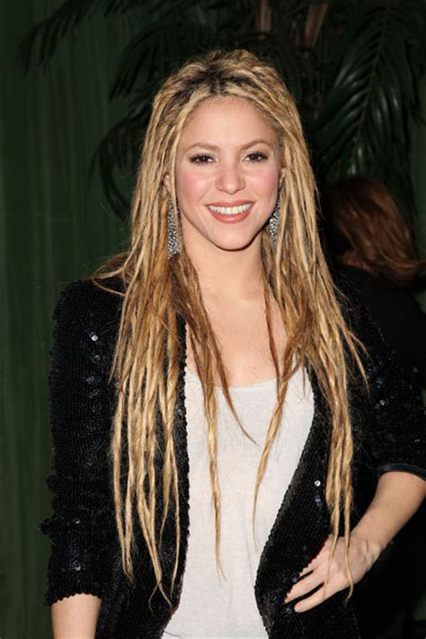 lipstick wore by shakira on commercial what brand of makeup does shakira wear shakira brand new