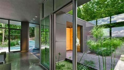 memasang dinding kaca ruangan  rumah