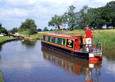 canal boat uk canal boat holiday hire the canal boats