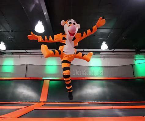 Baju Kostum Anak2 Costume Tiger kostum yang out of the box milik pria berkaki
