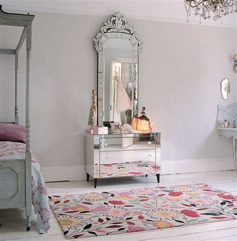 11 beautiful venetian mirrors