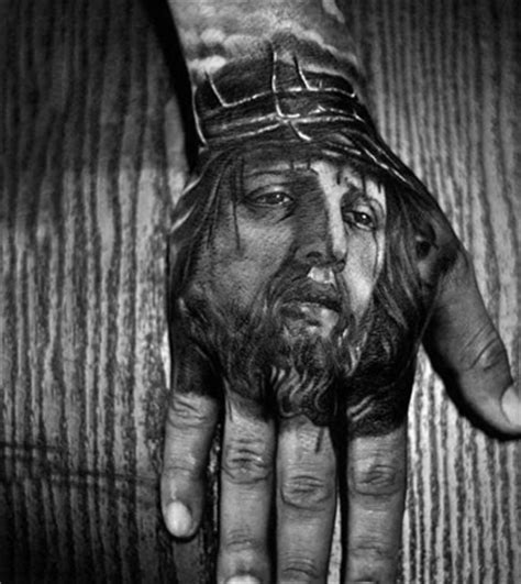 imagenes de tatuajes de jesus de nazaret tatuajes de cristo en la mano blanco y negro proyectos
