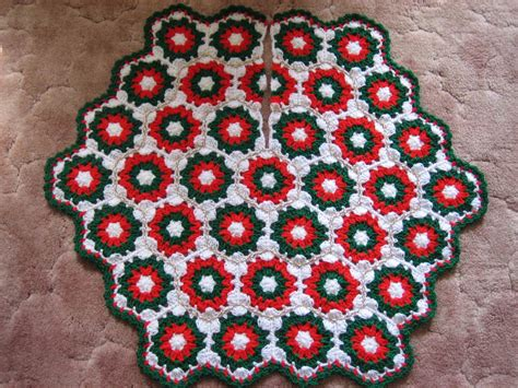 free crochet pattern for xmas tree skirt crochet christmas tree skirt favecrafts com