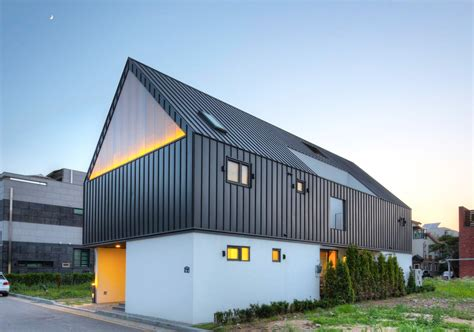 how to roof a house daylit family house in south korea combines inclusiveness