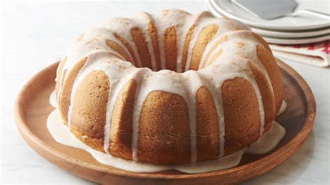 bundt cake bundt cake recipes for the busy home baker books 10 showstopping desserts bettycrocker