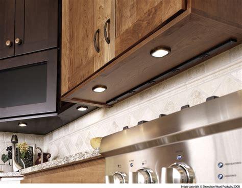 under cabinet lighting Kitchen Traditional with backsplash