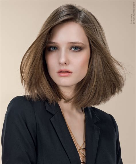hairstylese com sleek shoulder length bob hairstyle with simple lines