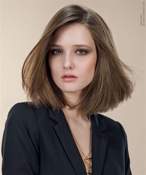 Sleek Bob Hairstyles by Sleek Shoulder Length Bob Hairstyle With Simple Lines
