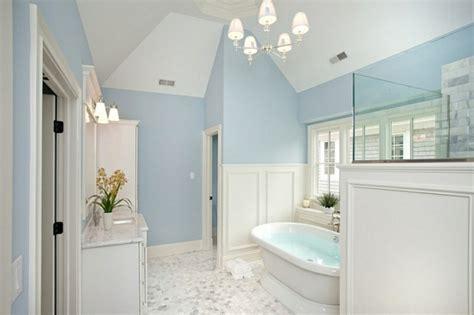 badezimmer baseboard ideen innendesign in blau und wei 223 frische farben wirken