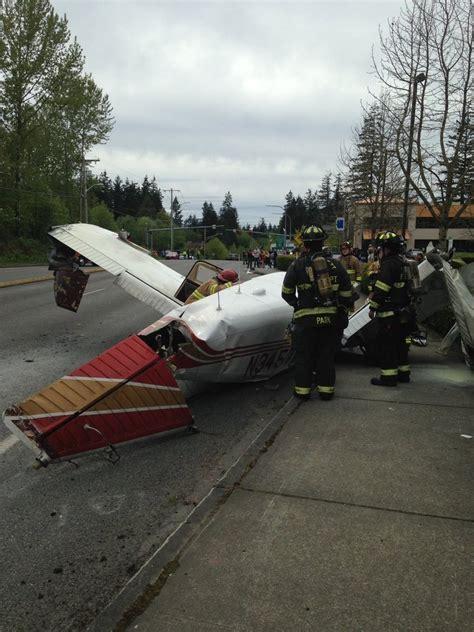 plane crash video pilot passenger walked away from dramatic mukilteo