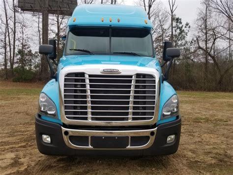 freightliner conventional trucks  sale  trucks  buysellsearch
