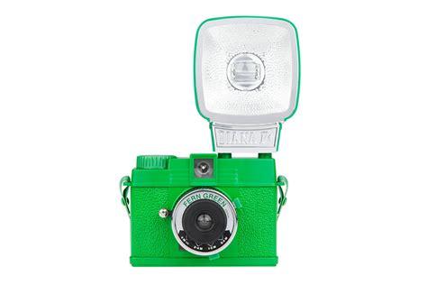 Lomography Diana Mini And Flash Fern Green diana mini en flitser fern green 183 lomography shop