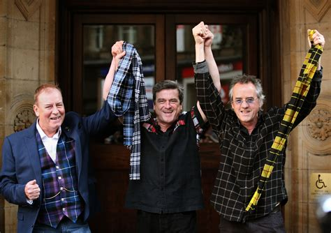 Breaking News Smith Dies At 39 Second City Style Fashion by Bay City Rollers Guitarist Alan Longmuir Dies At 70