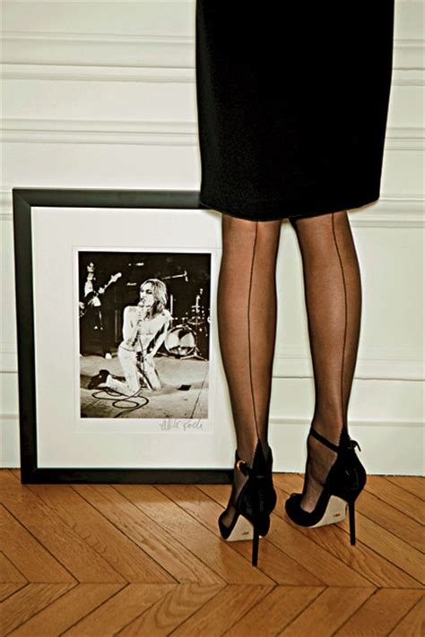 gallery stocking fogal carine roitfeld s favorites i want to be a roitfeld