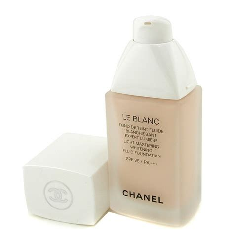 Chanel Le Blanc Whitening Spf 30 Fluid Foundation chanel le blanc light mastering whitening fluid foundation spf 25 br10 beige pastel