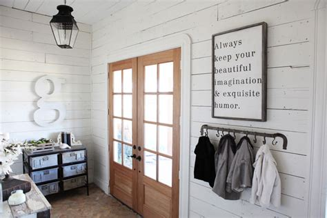Shiplap Joanna Gaines Diy Shiplap Projects The Budget Decorator