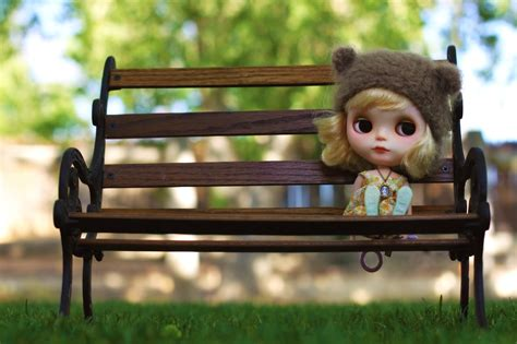 bench face toys glance bench doll mood face eyes blondes girl cute