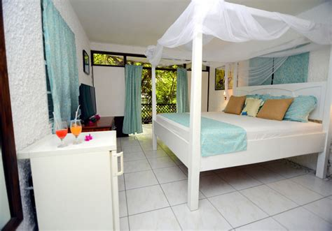 the humming room 3 the hummingbird resort in st lucia for 141 the travel enthusiast the travel