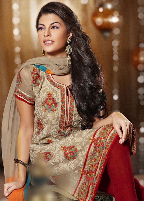 hairstyles for long hair on salwar suits hairstyles to wear with pakistani salwar kameez 12