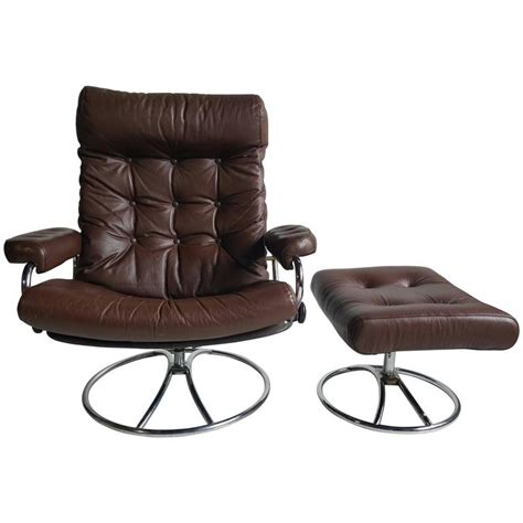 define recliner brown leather ekornes stressless lounge with ottoman 1960