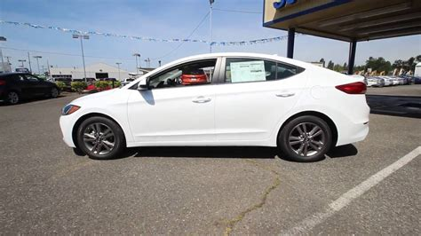 hyundai elantra white 2017 hyundai elantra white hh069822 skagit county