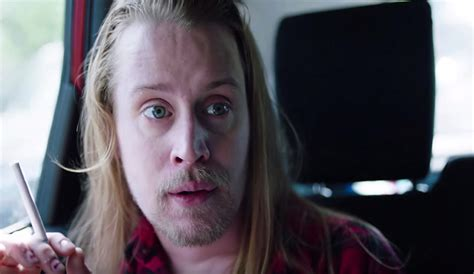 macaulay culkin plays kevin from home alone again and he s