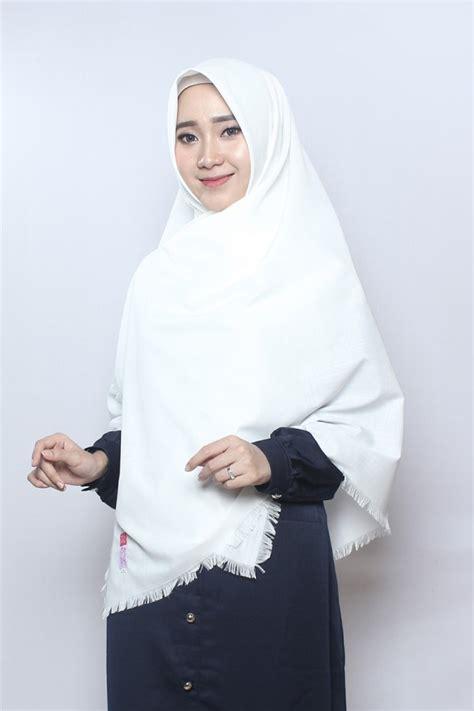 Kerudung Segi Empat Katun Rawis 105x105 Cm Khimar Jilbab Murah 9 khimar rawis risma putih tulang anizah khimar khimar