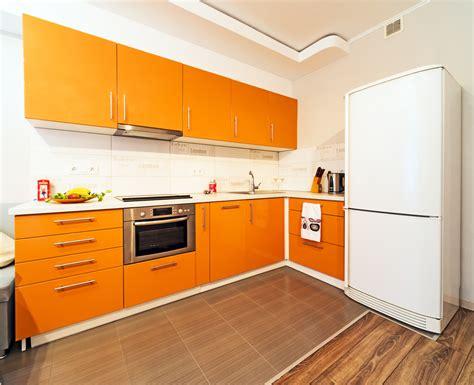 cocina exotica de muebles naranja fotos   te
